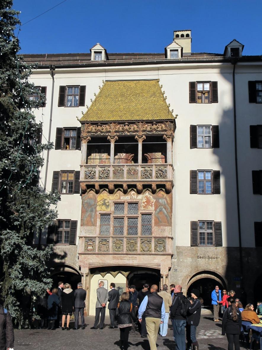 Il Tettuccio d'oro è il simbolo della città austriaca di Innsbruck
