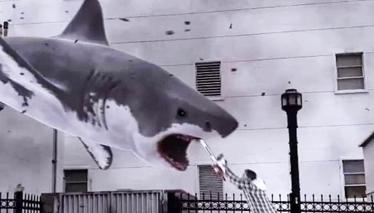 Sharknado, l'attacco degli squali volanti