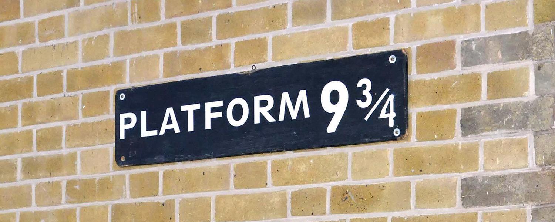 Sul binario 9 3/4 i treni in partenza per Hogwards