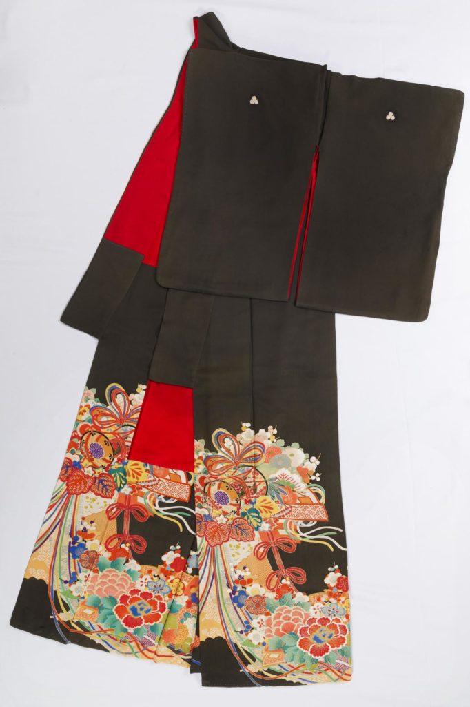 Kimono formale da donna sposata. Foto di Luigi Vitale.
