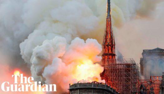 La Cattedrale di Notre-Dame è in fiamme